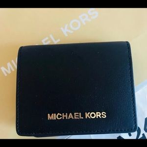 NWT Michael Kors Jet Set Travel Leather Wallet ID